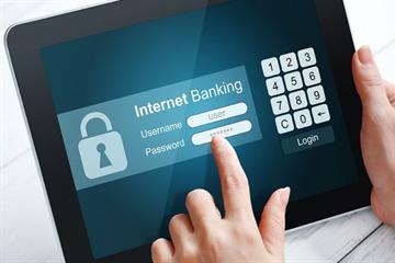 Phải báo cáo 10 ngày trước khi cung cấp dịch vụ Internet Banking