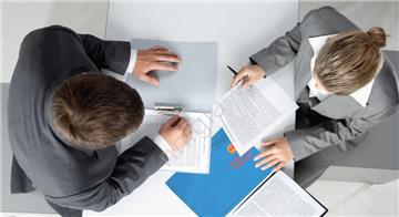 Có được chấm dứt hợp đồng lao động khi không bố trí được việc làm?