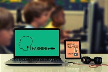 Dạy ngoại ngữ online có cần phải mở trung tâm không?