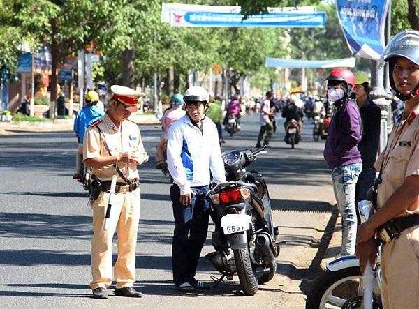 Vi phạm trong trường hợp nào bị tạm giữ xe máy?