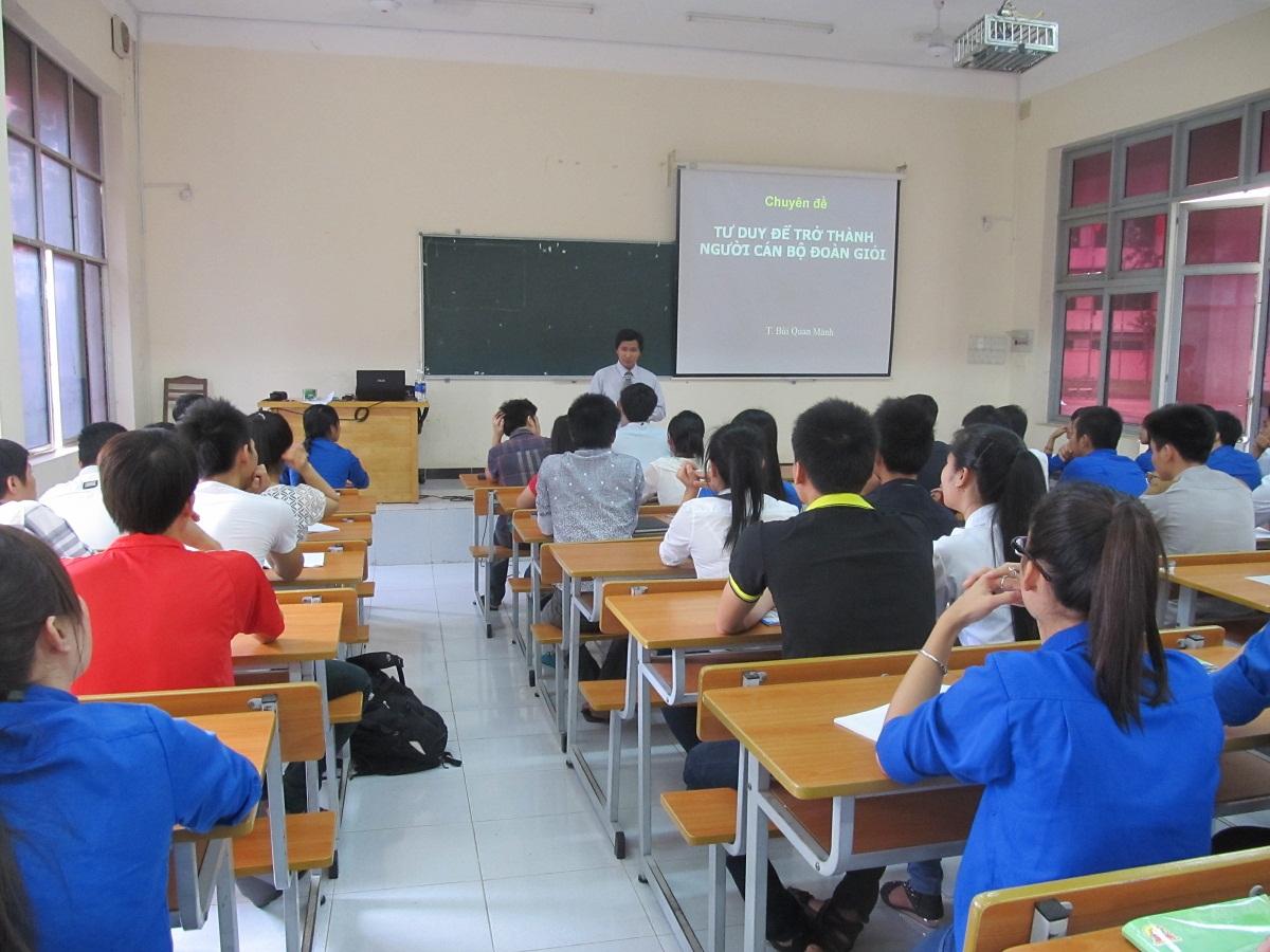Trở thành giảng viên đại học cần điều kiện gì