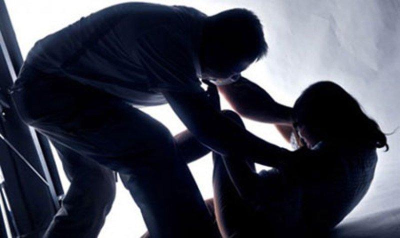 Cháu trai lén vào nhà chú, hiếp dâm thím rồi cướp tài sản