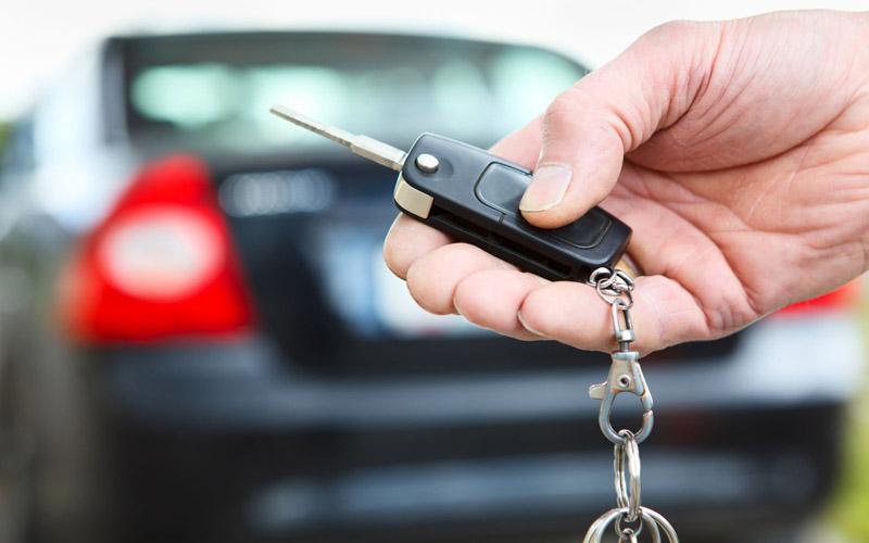Mua một chiếc ô tô phải đóng bao nhiêu loại phí?