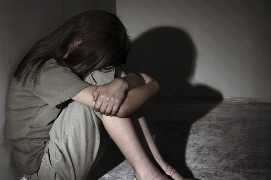 Phân biệt tội hiếp dâm trẻ em với tội giao cấu với trẻ em
