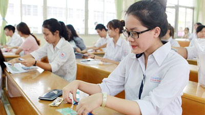 Trước Hà Nội, nhiều nơi đã tổ chức thi vào lớp 10 bằng bài thi tổ hợp
