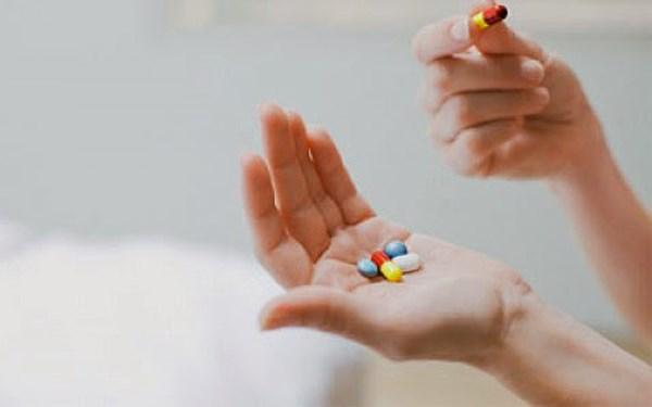 """Cấm """"mua chuộc"""" bác sĩ để bán thuốc"""