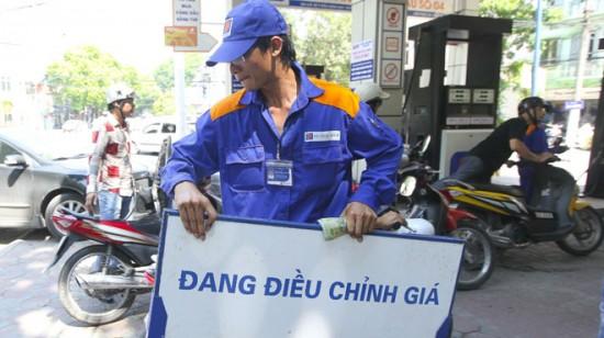 Tăng thuế bảo vệ môi trường xăng dầu