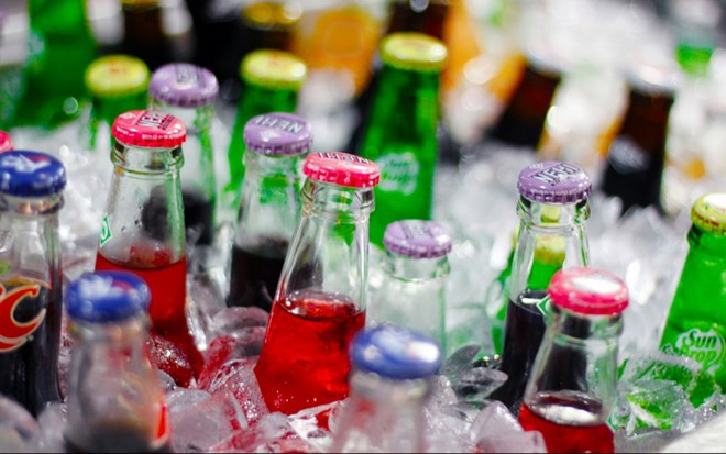 Đề xuất áp thuế cao với nước ngọt để… chống béo phì