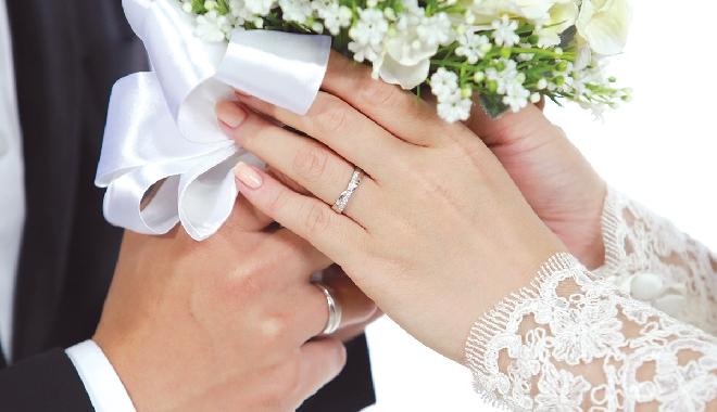 Đang hưởng án treo có được kết hôn?