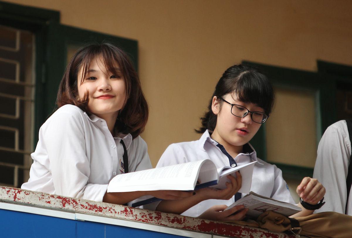 Tỷ lệ chọi cao ngất, điểm chuẩn vào lớp 10 ở Hà Nội sẽ thế nào?