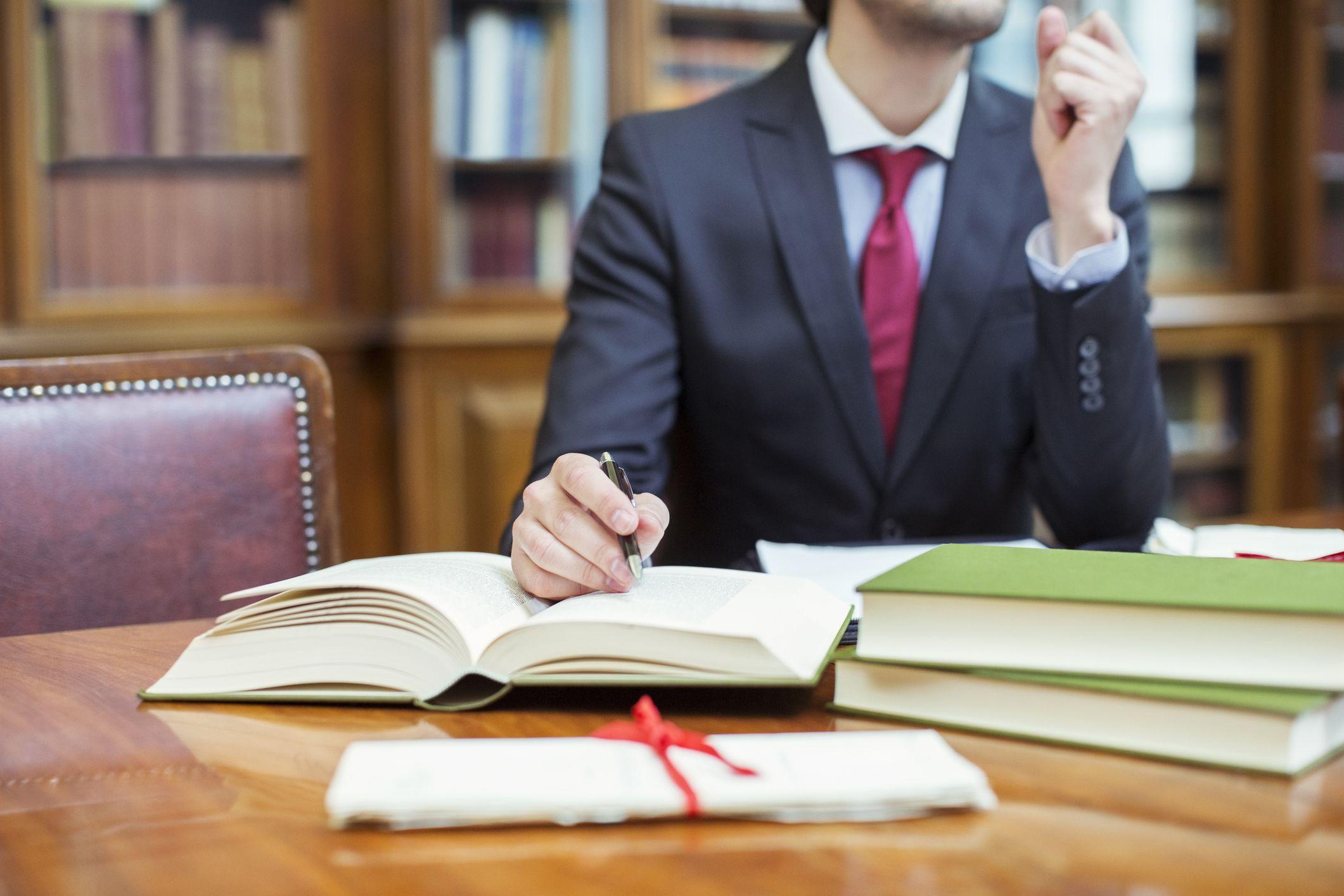 Bỏ quy định có 2 năm hành nghề mới được mở văn phòng luật sư