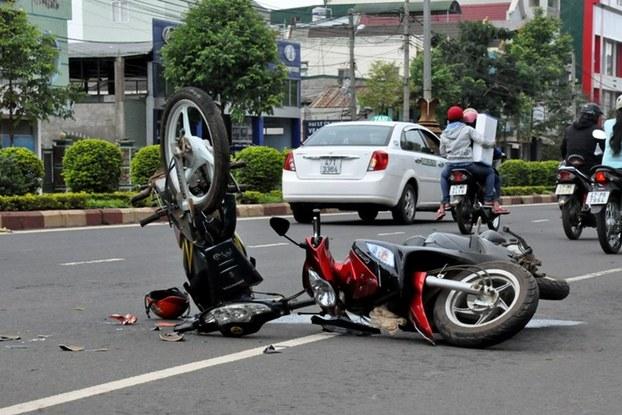 Bị tai nạn trên đường đi làm, vẫn hưởng chế độ tai nạn lao động