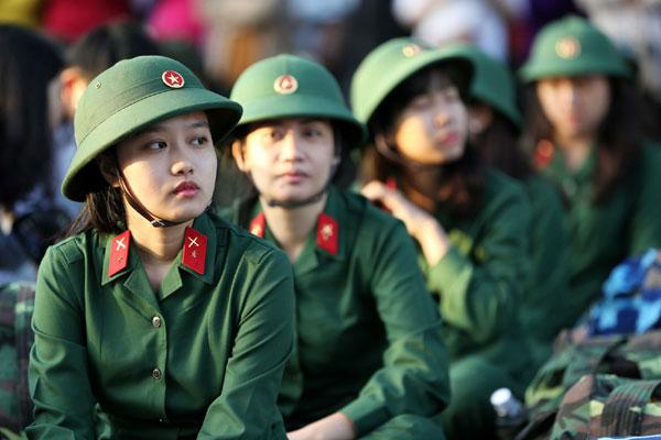 Nữ giới đi nghĩa vụ quân sự, tại sao không?