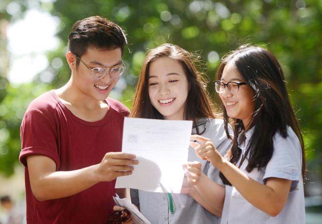 Thí sinh cần làm gì sau khi biết điểm chuẩn đại học 2018?