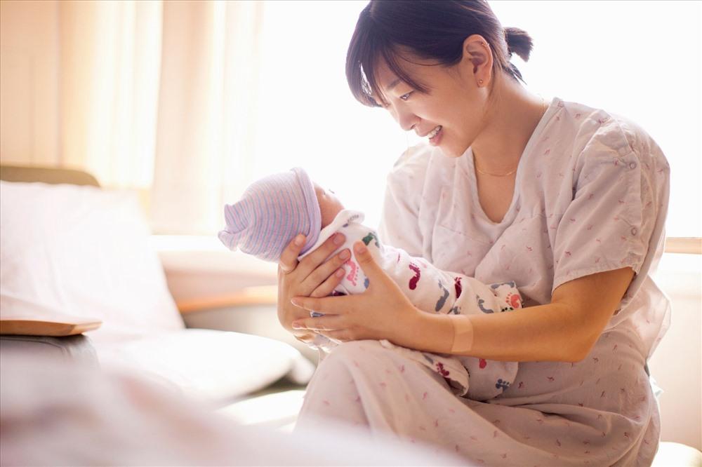 Đã nghỉ việc có được hưởng chế độ thai sản?