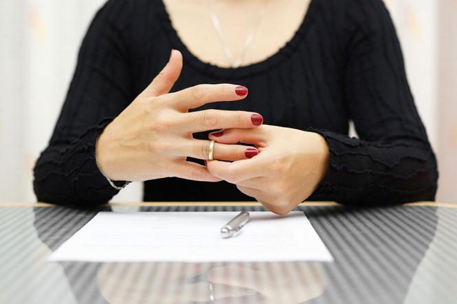 Hướng dẫn thủ tục ly hôn có yếu tố nước ngoài