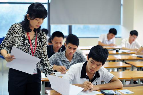 Giảng viên đại học phải có trình độ tối thiểu là thạc sĩ
