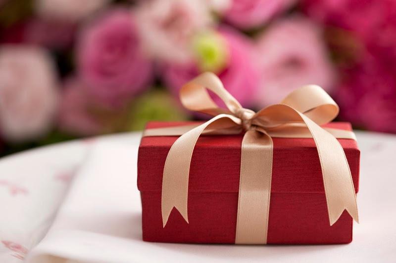 Cấm cán bộ, công chức nhận quà trực tiếp hoặc gián tiếp