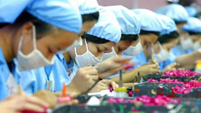 Buộc người lao động đi làm Tết Dương lịch bị xử lý thế nào?