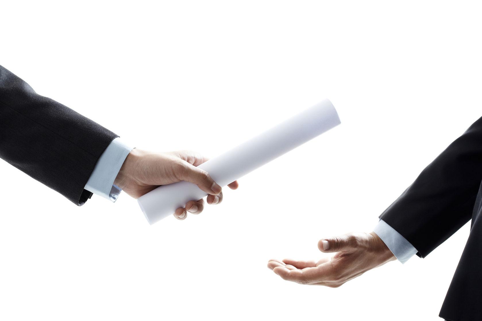 Cán bộ không được lợi dụng vị trí công tác để bổ nhiệm người thân