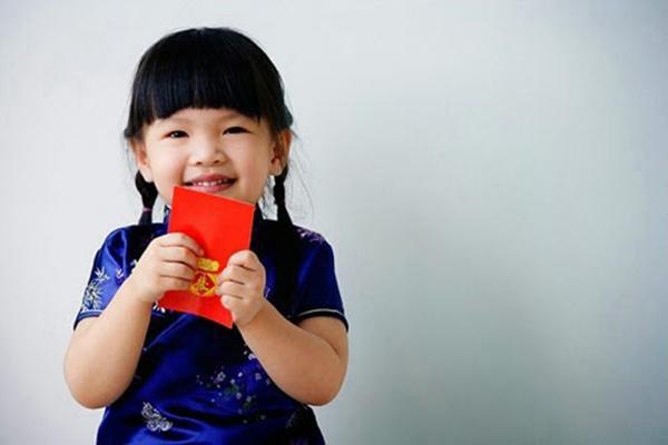 Trẻ nhỏ có được phép được tự giữ tiền lì xì?