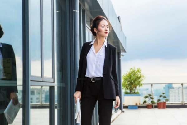 Công chức phải ăn mặc thế nào khi đi làm