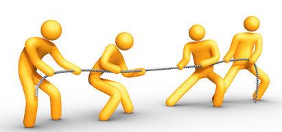 Khi có tranh chấp lao động, người lao động nên làm gì?