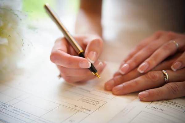 Các cặp đôi lưu ý để điền đúng tờ khai đăng ký kết hôn
