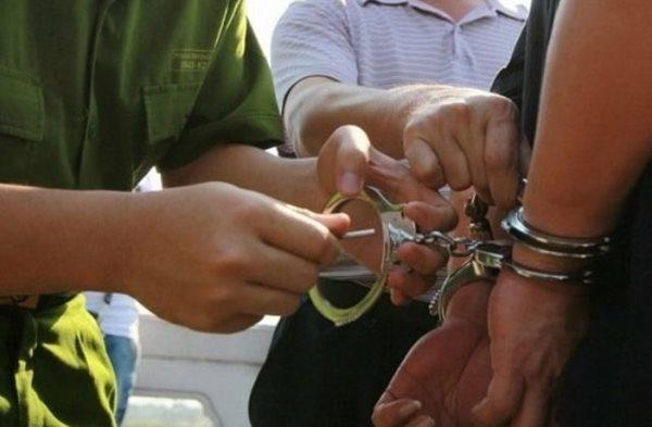 án treo khác cải tạo không giam giữ thế nào