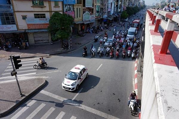 3 cách tránh nắng vi phạm giao thông