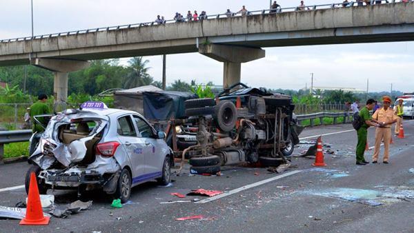 tai nạn giao thông chết người