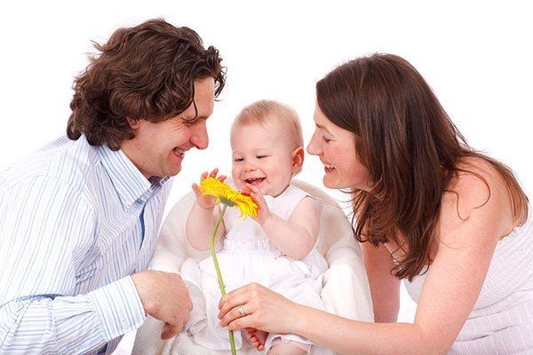 nhận con riêng của vợ hoặc chồng làm con nuôi