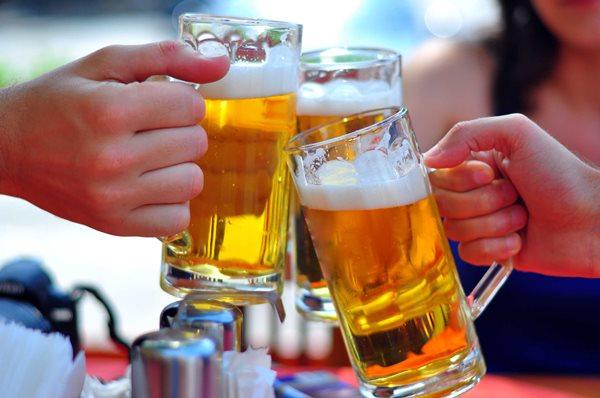 dùng hình ảnh người dưới 18 tuổi quảng cáo rượu bia