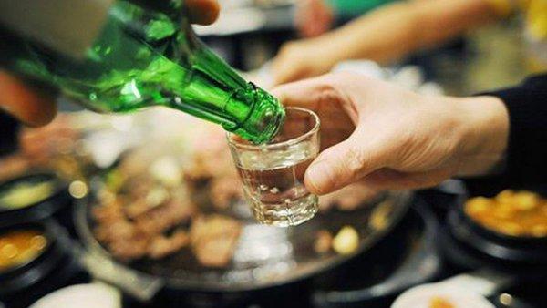 Cấm rủ rê, ép buộc người khác uống rượu, bia