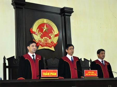 Thi tuyển chọn, nâng ngạch Thẩm phán