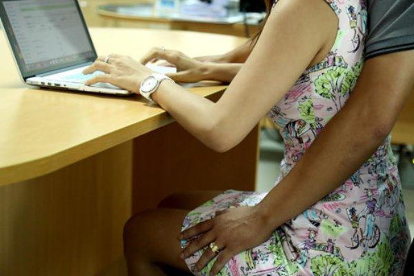 Quấy rối tình dục tại nơi làm việc có thể bị sa thải