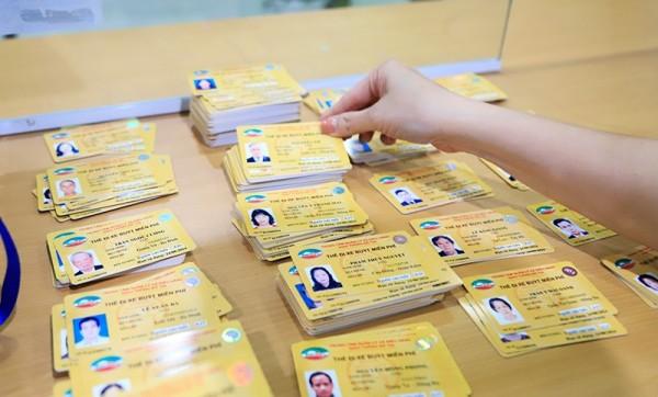 Cách làm Thẻ đi xe buýt miễn phí cho người cao tuổi ở Hà Nội