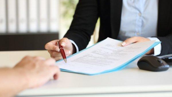 chưa chấm dứt hợp đồng có được thỏa thuận nhận trợ cấp thôi việc?