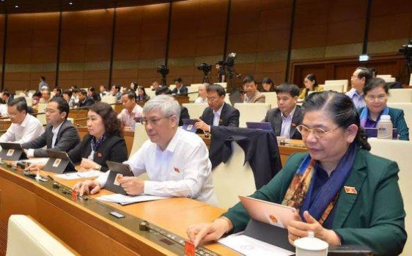 Quốc hội thông qua Bộ luật Lao động sửa đổi