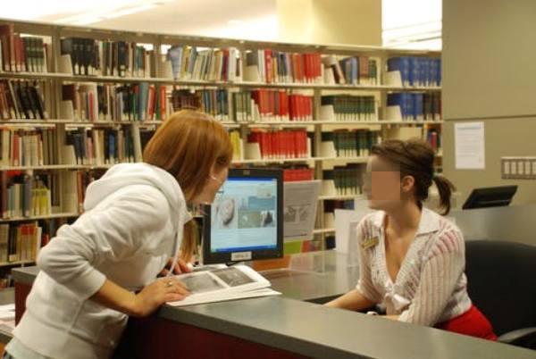 người nước ngoài được thành lập thư viện