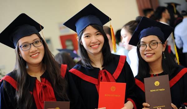 sinh viên xuất sắc được xét tuyển công chức
