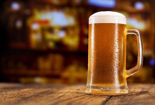 Từ 2020, nhiều người phải mang theo CMND khi đi mua rượu, bia