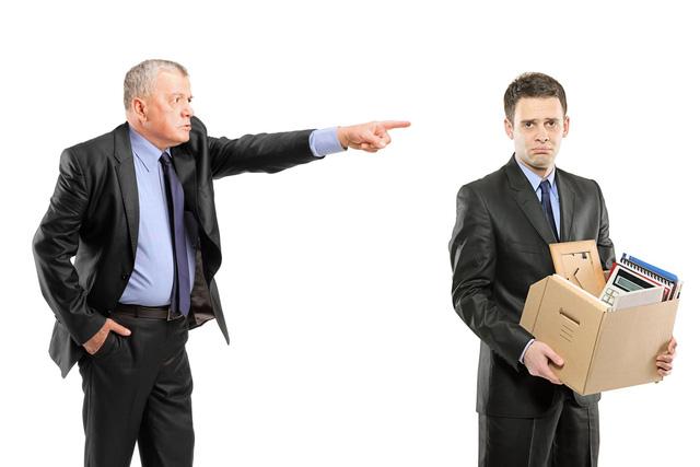 Doanh nghiệp được cho người lao động nghỉ việc không cần báo trước