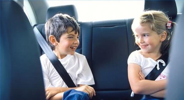 Ngồi sau ô tô không thắt dây an toàn bị phạt bao nhiêu 2020?