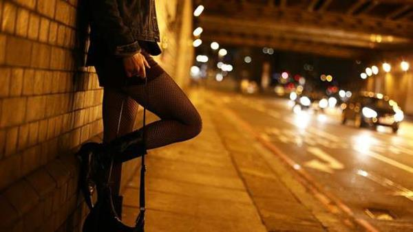 Vẫn hỗ trợ người bán dâm hoàn lương vay vốn đến 31/12/2020