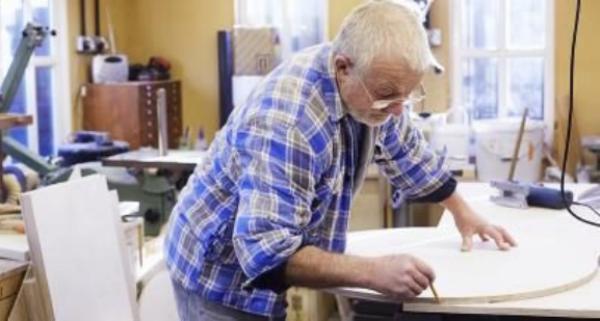 Người về hưu đi làm có phải nộp thuế thu nhập cá nhân