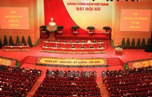Bí thư tỉnh ủy, huyện ủy không giữ chức vụ quá 2 nhiệm kỳ