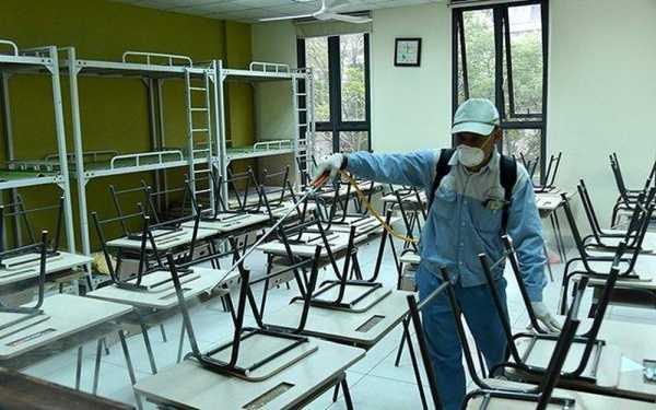 Học sinh đi học lại, phải khử khuẩn trong trường học 2 lần/ngày