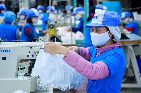 Mùa dịch, doanh nghiệp chỉ được xuất khẩu 25% khẩu trang y tế