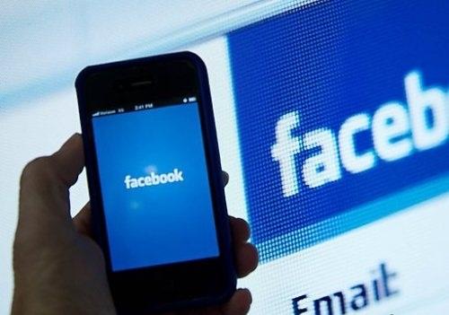 Giả Facebook người khác để lừa tiền